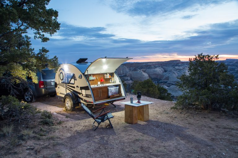 Space-saving tips for your camper kitchen